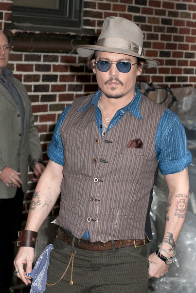 Johnny Depp- часы cartier ballon bleu